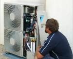 Máy lạnh bị xì gas sửa chữa sao?