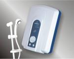 Không nên tự ý súc rửa máy nước nóng