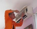 Vệ sinh máy lạnh quận Tân Phú - miễn phí sạc ga